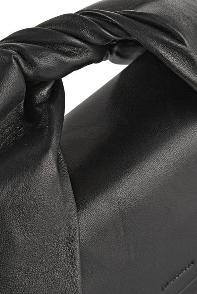 推出新款拧绕式皮革手提包